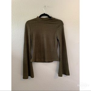 🛍Ribbed mock neck crop top with bell sleeves🛍